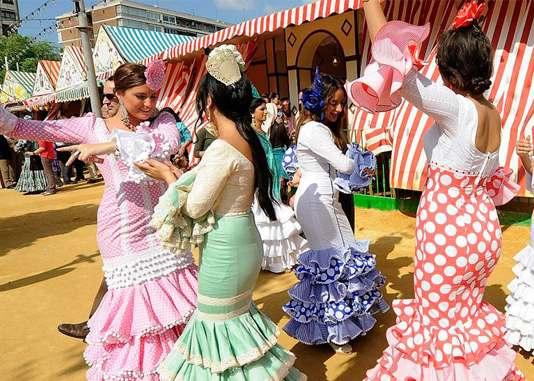 6ba978a08 Trajes regionales de Andalucía | Tablao Flamenco El Palacio Andaluz