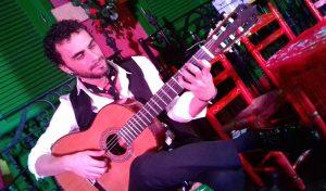 ristian cabello guitarrista flamenco en el palacio andaluz