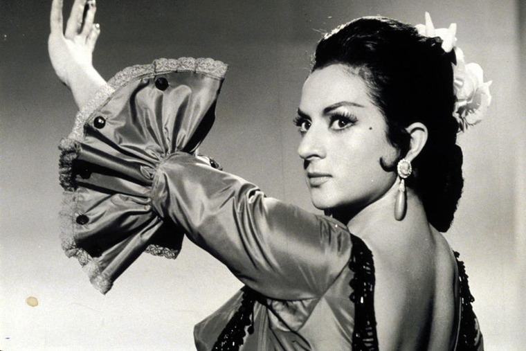 Lola Flores was a great flamenco artist.