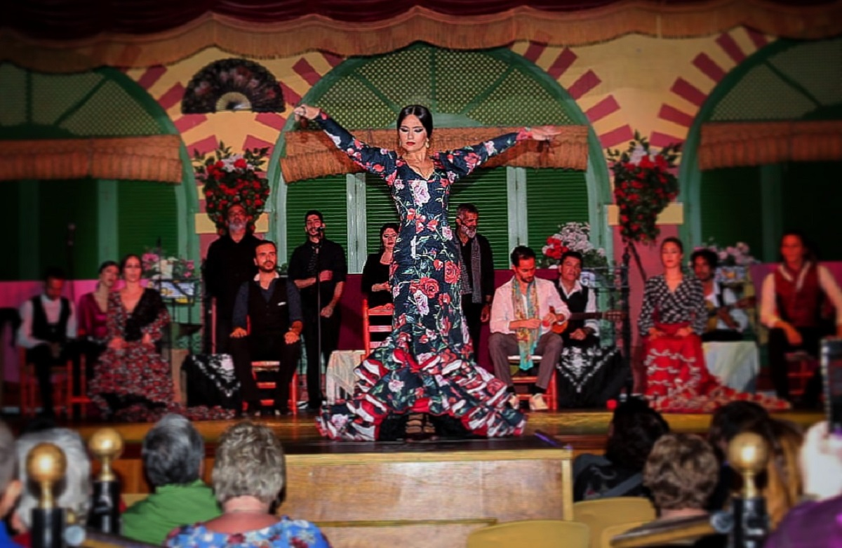 Soleá de José is a sevillian flamenco dancer