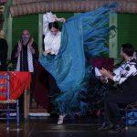 El mantón flamenco es un complemento del baile
