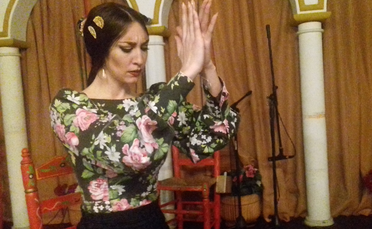 Flamenco palmas accompany the rhythm in flamenco singing, dancing or guitar