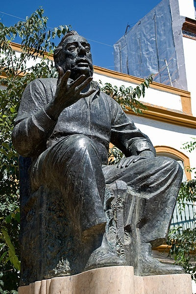 Statue of Manolo Caracol located in the Alameda de Hércules