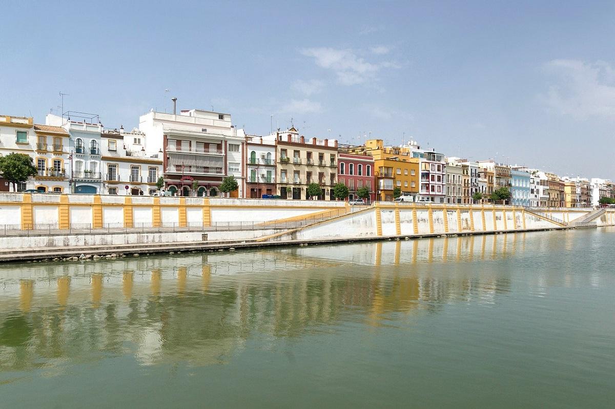 Triana es uno de los barrios con más tradicion flamenca de sevilla